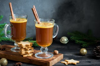 Hot and spicy, buttered rum was a favorite with sailors in the 1700s.
