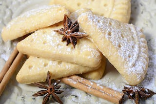You can never go wrong with some buttery shortbread cookies around Christmas.