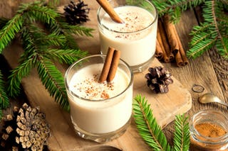 Eggnog, a delicious Christmas cocktail to welcome the holiday spirit.
