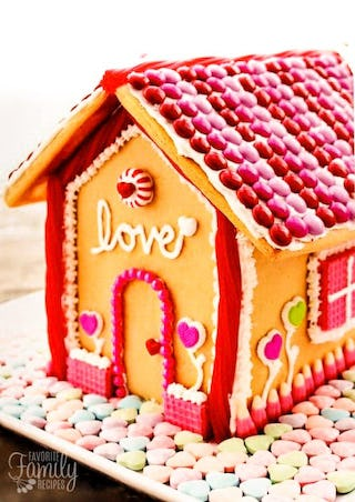 Pink and red gingerbread house (image via Fav Family Recipes).